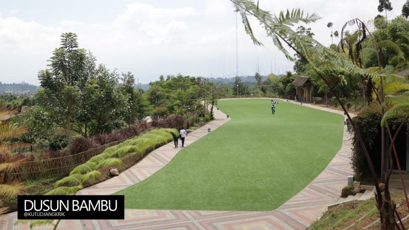 lapangan-rumput-sintetis-dusun-bambu