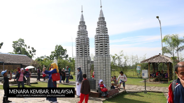 petronas-twin-tower-malaysia-little-world-purwokerto