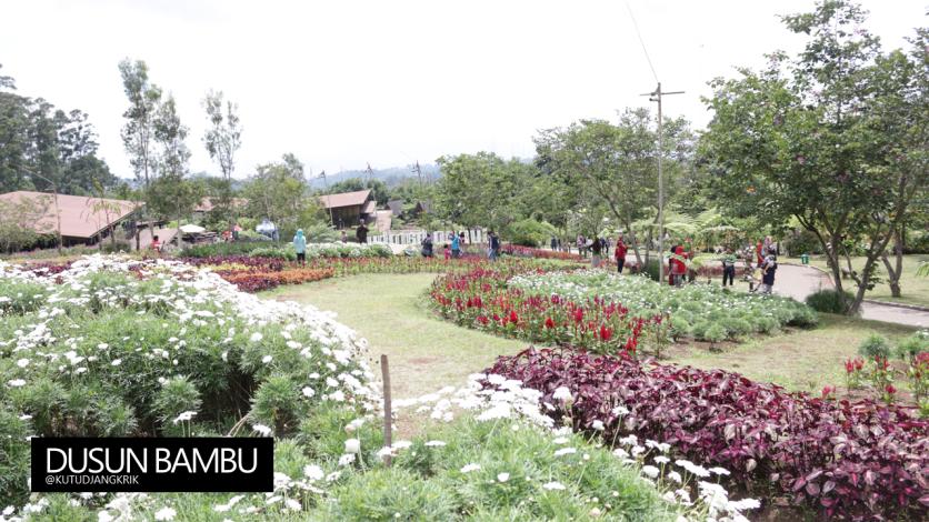 Taman Bunga Dusun Bambu
