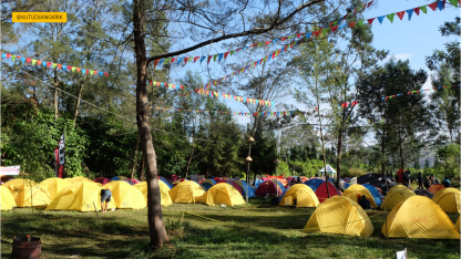 Tenda yang disediakan oleh panitia