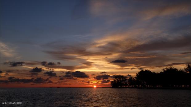 sunset hunting karimun jawa